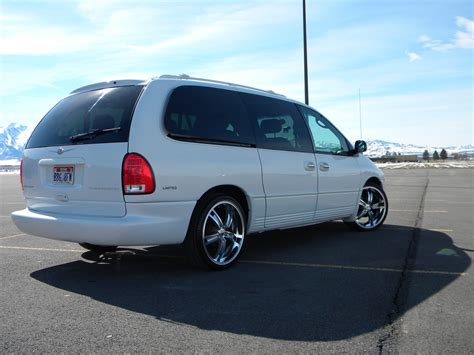 1999 Chrysler Minivan by Mase9809 1999 Chrysler Town Countrylimited Minivan Specs