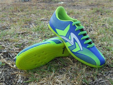 Sepatu Bola Onlane jual sepatu bola futsal specs usaha dagang