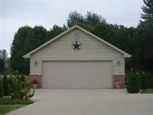 Size Of A 2 Car Garage by 3 Bedroom Log Cabin Bedroom At Real Estate