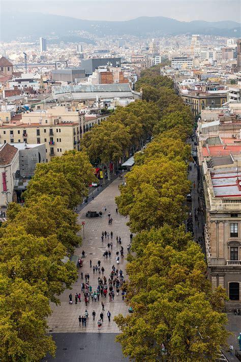 A In Barcelona la rambla barcelona