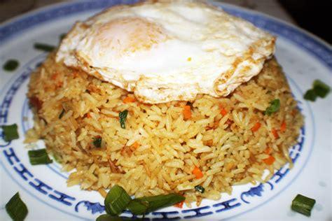 Nasi Goreng Dan Mi Goreng Istimewa 10 makanan berminyak yang memang enak dan susah dihindari