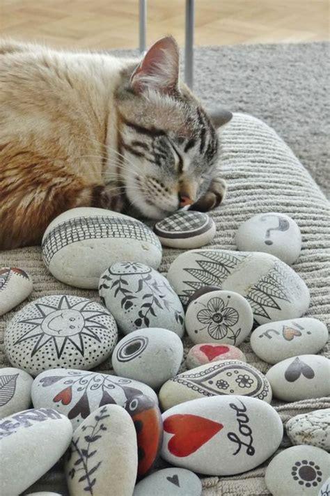 gartendeko mit steinen basteln mit steinen katze gartendeko steine bemalen