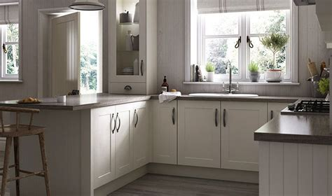 ivory shaker kitchens beautiful ivory oban ivory shaker traditional range of kitchen wickes co uk