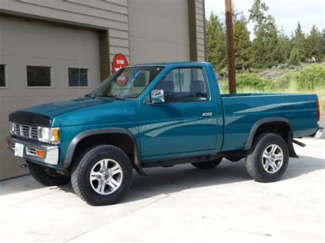 nissan pickup 4x4 sell used 1997 nissan xe 4x4 pickup air conditioning 5