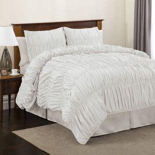 fluffiest comforter lush decor venetian 4 piece white comforter set