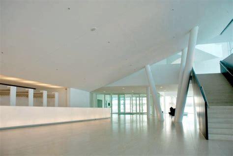 Foyer Treppen by Theater In G 252 Tersloh White Cube Aus 7 500 M 179 Beton