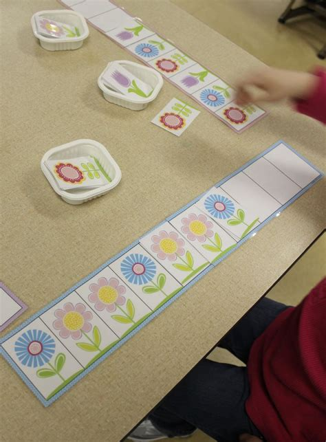 flower pattern for preschool matching sorting patterning colors and shapes activities