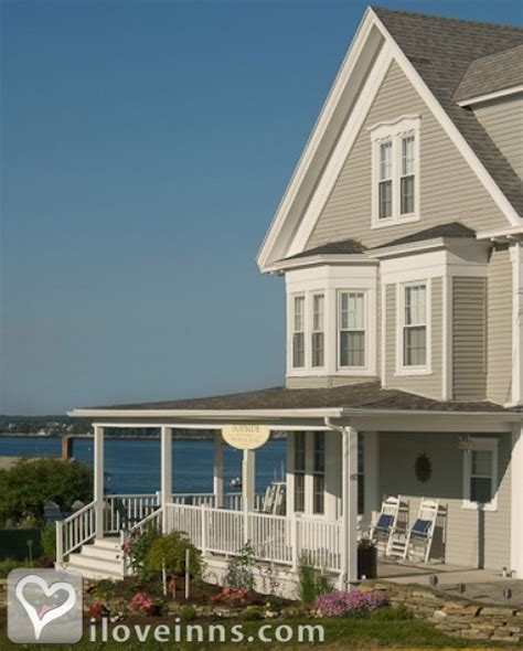 boothbay harbor bed and breakfast topside inn in boothbay harbor maine iloveinns com