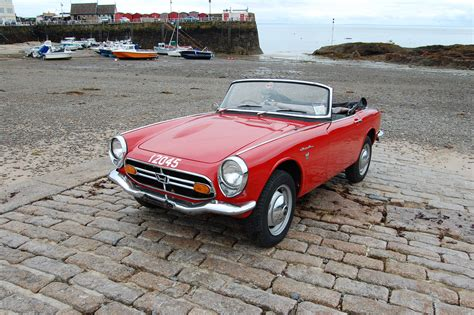 honda uk honda begins restoration project on classic s800 roadster