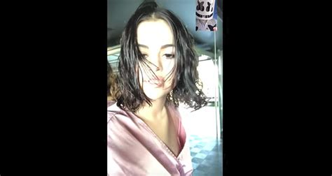 marshmello you and me singer selena gomez s new quot wolves quot music video is a facetime call