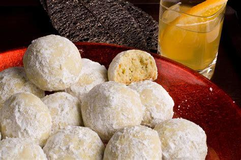 mexican wedding cakes recipe pistachio mexican wedding cakes recipe chowhound