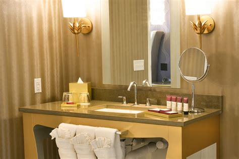 graceland bathroom photo gallery video webcam the guest house at graceland