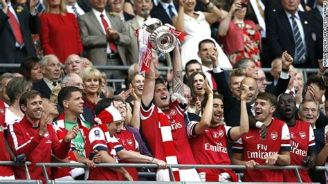 arsenal fa cup arsenal end trophy drought with dramatic fa cup win cnn com