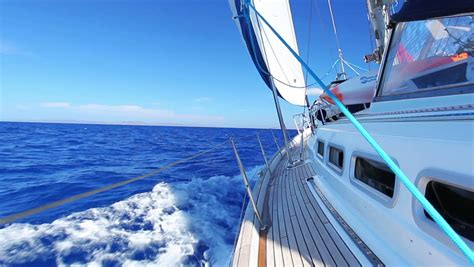 sailboat meaning sailing definition meaning