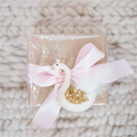 how to wrap a perfect present lauren conrad holiday special pretty pastel gift wrap two ways