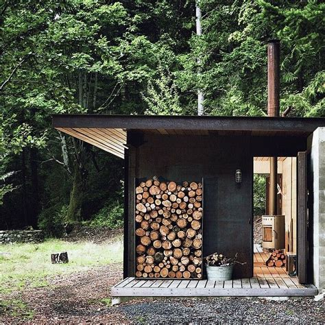 2 Person Log Cabin by 25 Best Ideas About Summer Cabins On Small