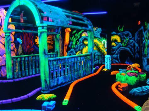 black light putt putt blacklight mini golf blacklight artwork and 3d attraction