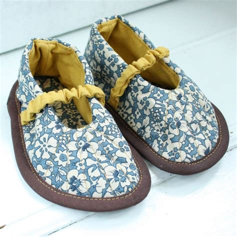 Handmade Baby Shoes - handmade baby shoes zapatitos de tela