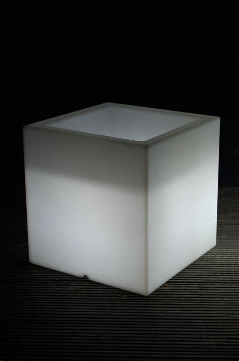 schrank 50x50x50 pflanzk 252 bel blumenk 252 bel quot block quot aus kunststoff beleuchtet
