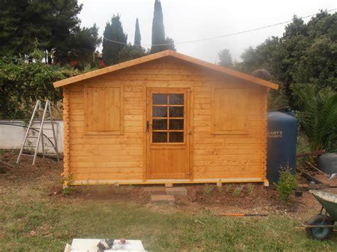 pavimento rialzato in legno casette arredi in legno forno in muratura idee giardinieri
