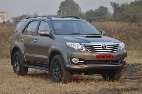 Toyota Fortuner 3.0 4WD automatic photo gallery   Car