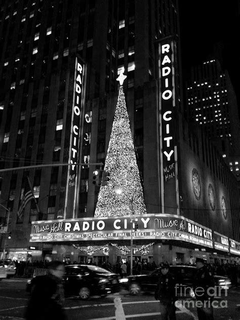 radio city christmas tree radio city tree black and white photograph by miriam danar
