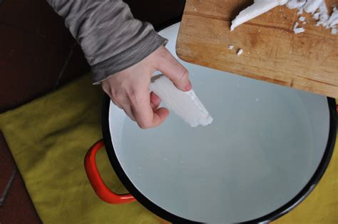 sapone lavatrice fatto in casa come fare il sapone per la lavatrice mondofamiglia