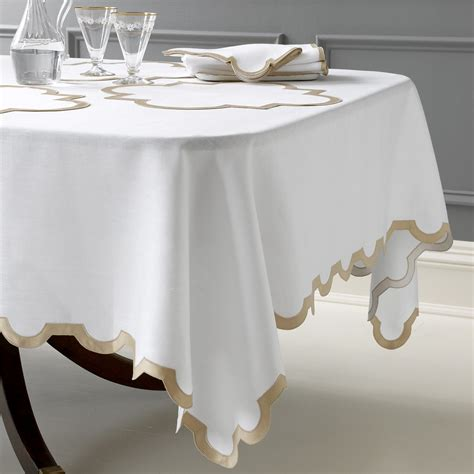matouk mirasol table linens