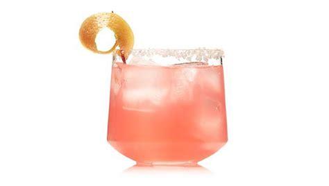 salty drink salty en manligt rosa drink