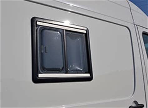 claraboya furgon autos elizasu ventanas y claraboyas en furgonetas