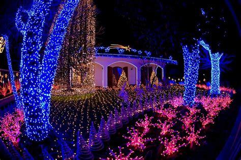 salerno illuminata a natale le decorazioni natalizie per esterni crea la casa
