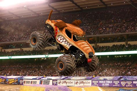 monster jam dog monster mutt