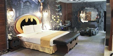 batman room motel s batcave suite is the batman themed hotel room we ve always wanted huffpost uk