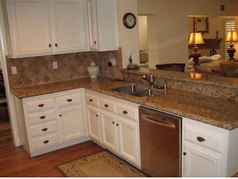 remodelar cocina tope de granito marron ceramica crema