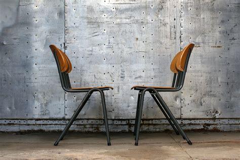 design len jaren 60 industrieel retro vintage marko schoolstoelen uit 1964