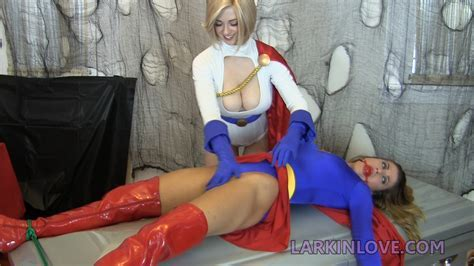 Powergirl Defeats Supergirl Kryptonian Lesbians Superheroes Pictures Pictures Luscious