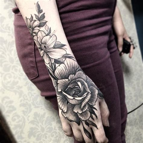 tattoo hand pinterest 20 excellent blackwork tattoos by fredao oliveira tattoodo