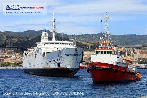 porto di messina traghetti addio nave traghetto rosalia ferrovie siciliane