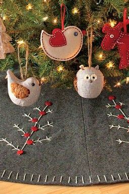 pattern for felt christmas tree skirt 8 best images about diy christmas tree skirts on pinterest