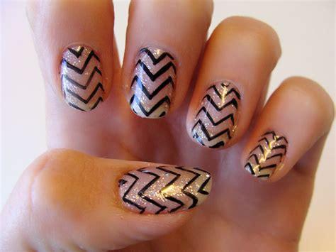 zig zag pattern nails 35 coolest eye catching nail art designs