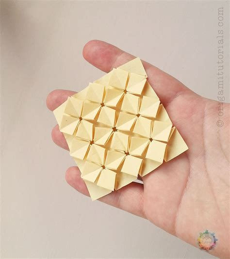 Tesselation Origami - origami miniature high density hydrangea tessellation