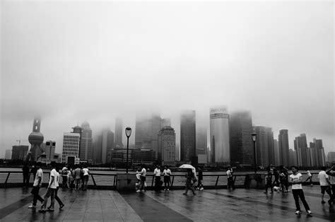 gambar horison hitam  putih   kabut
