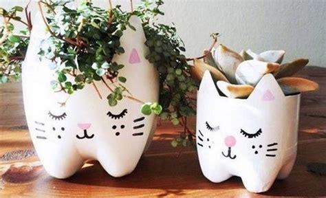 vasi con bottiglie plastica costruire con bottiglie di plastica come decorare