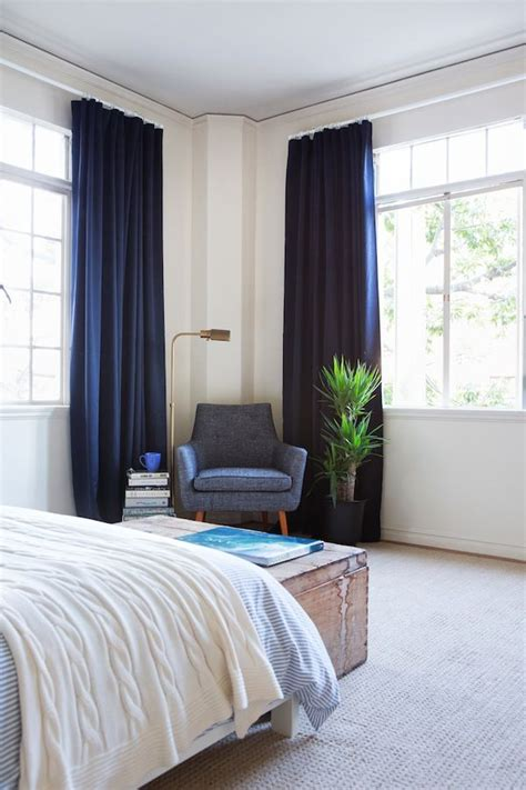 blue curtains bedroom 25 best ideas about navy blue curtains on pinterest