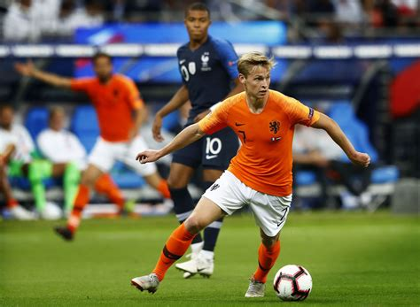 barcelona ajax will reject january move for frenkie de