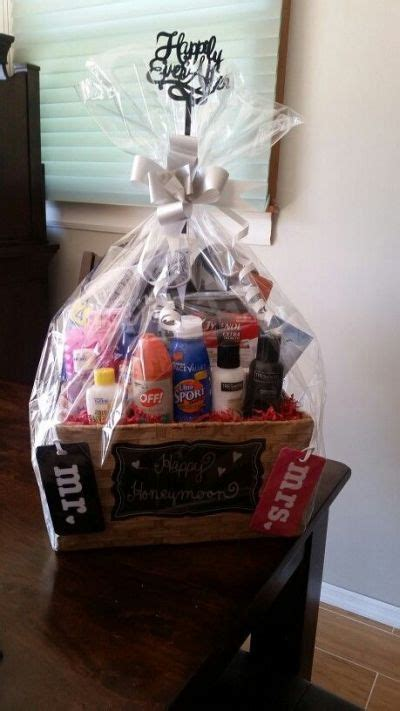 wedding shower gift basket themes bridal shower gift ideas
