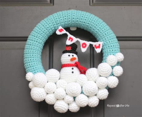 crochet pattern for xmas wreath knit and crochet christmas wreaths stitch and unwind