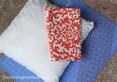 easy diy pillow slipcovers blooming homestead