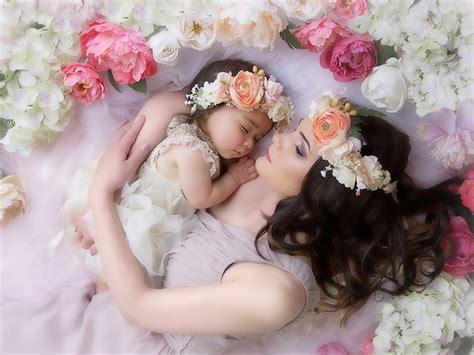 walppar madre madre e hija amor ternura corona flores dormir fondos