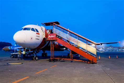 airasia indonesia terminal flight report indonesia airasia a320 from jakarta cgk to